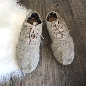 Toms grey canvas lace up shoes size 9 women's